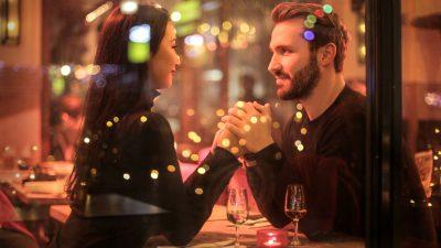 """BESTE COUGAR DATING SITES: BEOORDELINGEN VAN DE TOP """"MILF"""" DATING WEBSITES"""